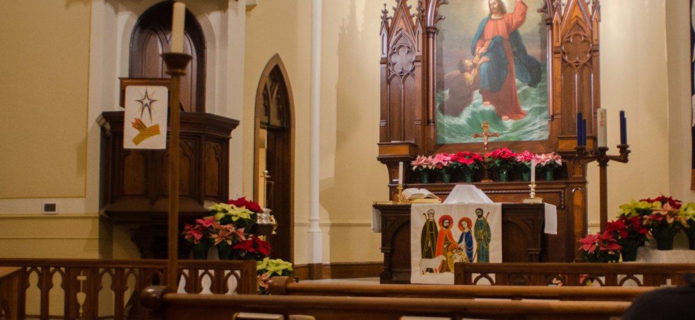 Church_Christmas_Altar